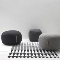 Uld puf m/ læderhank - lys grå