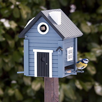 Foderbræt og fuglehuse